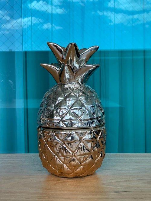 Abacaxi decorativo dourado