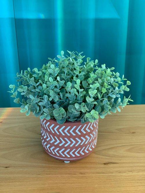Vaso ocre com verdinho eucalipto