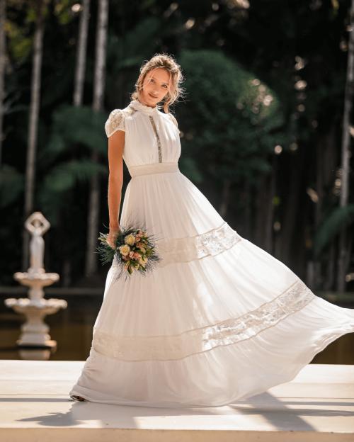 {Beatriz} Vestido Noiva Longo Evasê Gola Alta com Mangas Delicadas Casamento (cor Branco Off)