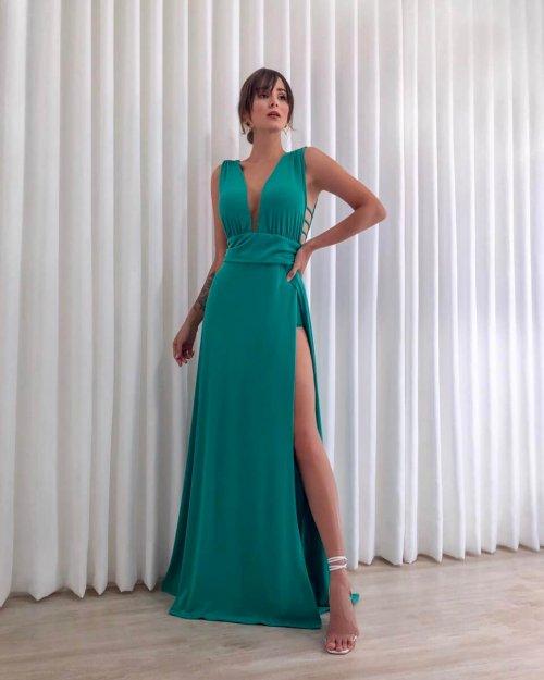 {Cassandra} Vestido Festa Longo Godê Tirinhas com Fenda Madrinha Formatura (cor Verde Bandeira)