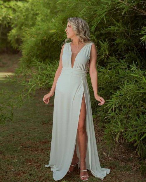 {Cassandra} Vestido Festa Longo Godê Tirinhas com Fenda Noiva Casamento (cor Branco Off)