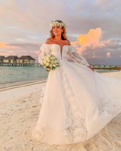 {Daniela} Vestido Noiva Longo Evasê Ombro a Ombro Manga Princesa Casamento (cor Branco Off)
