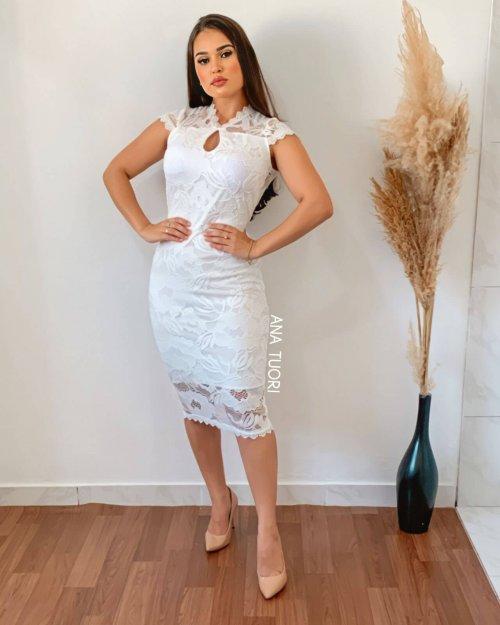 {Emma} Vestido Festa Midi em Renda Trançado nas Costas Noiva Formatura (cor Branco Off)