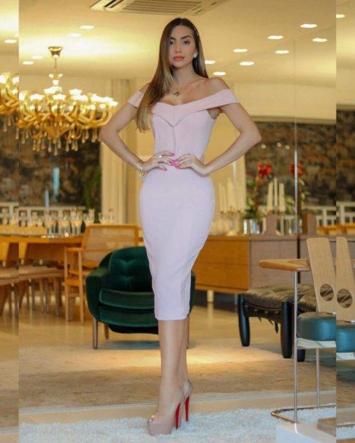 {Franciele} Vestido Festa Midi Ombro a Ombro Tubinho Aniversário Formatura Casamento (cor Rosé)