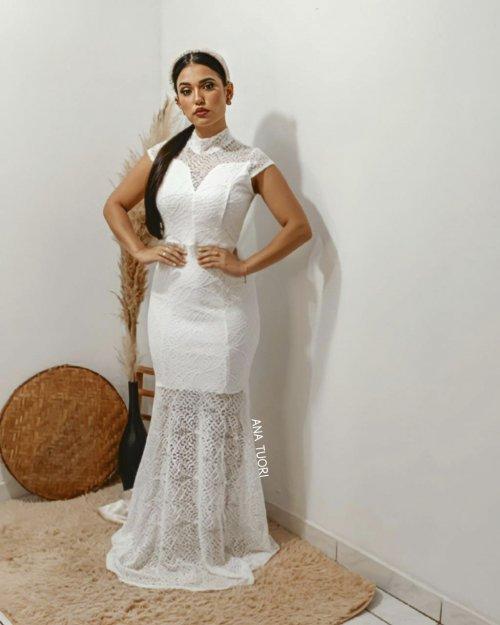 {Isadora} Vestido Festa Longo Sereia Manga Cruzado nas Costas em Renda Noiva Casamento (Cor Branco Off)