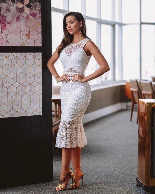 {Maísa} Vestido Festa Midi em Renda Sem Mangas com Babado na Barra Noiva Casamento (cor Branco)