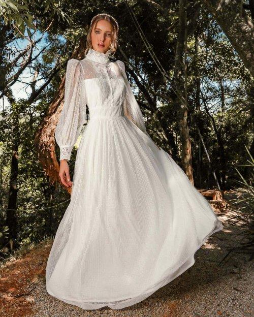 {Marie} Vestido Noiva Longo Rodado Manga Longa Gola Alta Tule Poá Plissado Casamento (cor Branco Off)