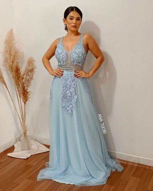 {Raven} Vestido Festa Longo Princesa Tule Bordado e Pedrarias Madrinha Formatura (cor Azul Serenity)