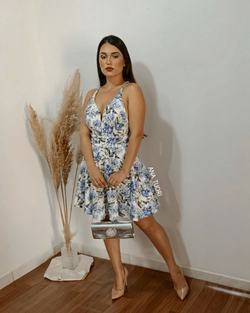 50c68e1c54 Vestido Curto Rodado Alça Fina Decote Coração (cor Estampa Clara Floral) -  Raissa Karenine
