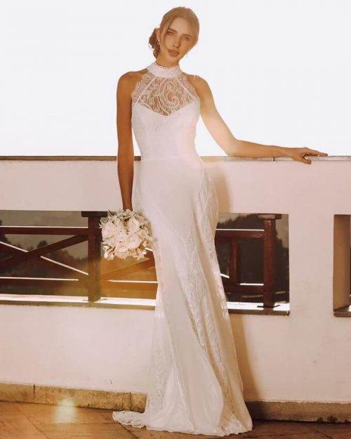 {Vic} Vestido Noiva Longo Sereia Gola Alta Detalhes em Renda na Saia Casamento (cor Branco Off)