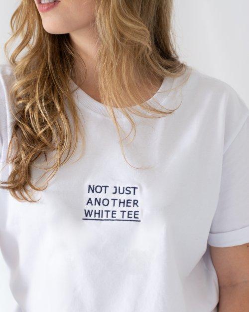 T-SHIRT WHITE TEE