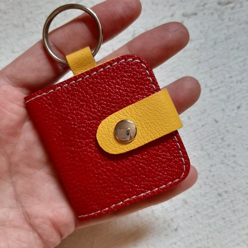 Chaveiro com Porta Fotos - Ferrari com Amarelo