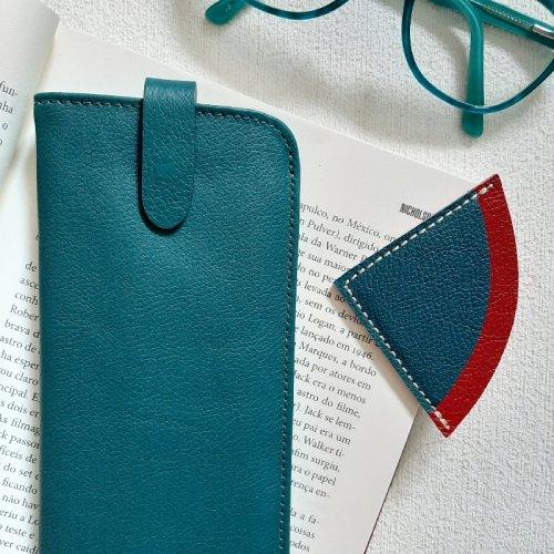 Porta Óculos + Marcador de Páginas - Azul Petróleo e Ferrari