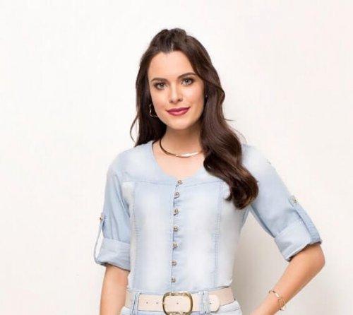 Camisa Jeans Feminina Com Martingale Laura Rosa Outono/Inverno