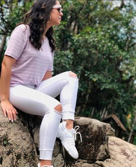 Corina T-Shirt Listras Lilás - decote redondo