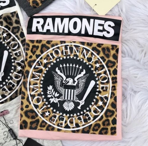 Corina T-Shirt Manga Longa Ramones - Rosa