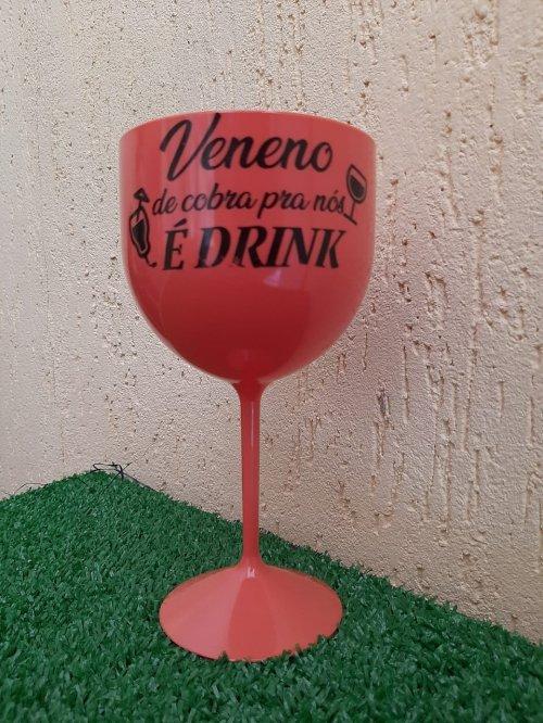 Taça de Gim Veneno de cobra é Drink