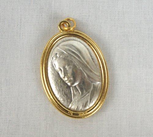 Medalha – Rainha da Paz com as bordas douradas