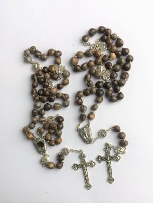 Terço de Sementes de Medjugorje com Medalhas de São Bento e Terra de Medjugorje na Salve Rainha