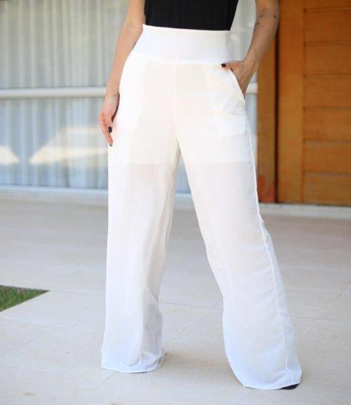 Calça pantalona em crepinho, com forro e muito elegante - Branca