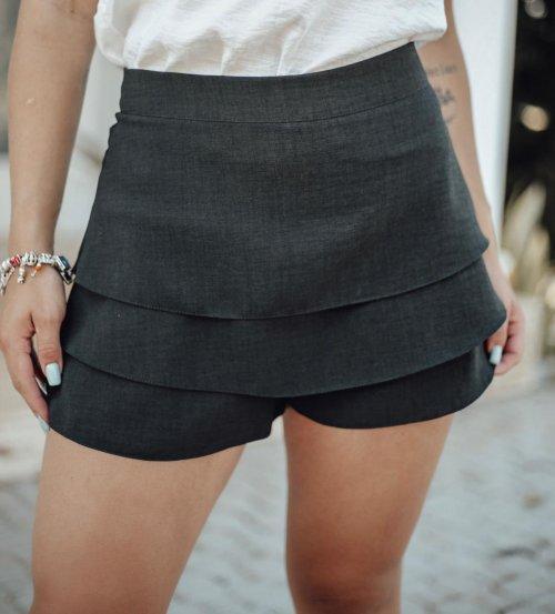 Short saia babado em linho - preto