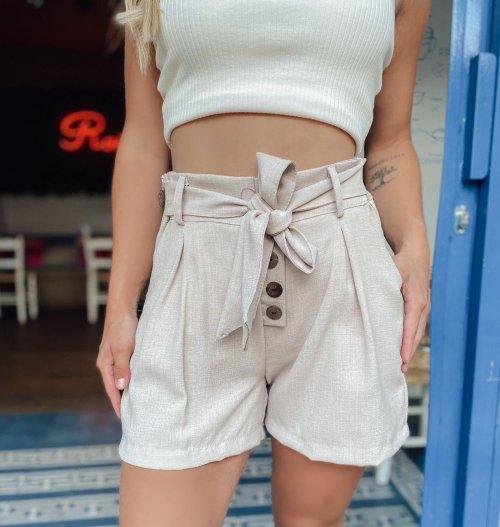 Shorts em linho com detalhe de botões - Nude