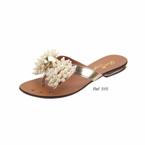 Sandália Rasteira com Laço em pérolas
